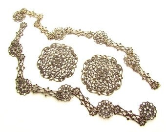 Filigree Chains with Large Filigree Focals