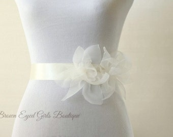 Soft White Bridal Sash, Soft White Bridal Belt, Ivory Wedding Belt, Ivory Organza Sash, Ivory Silk Flower Belt -  BHLDN Inspired