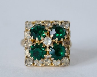 30% OFF SALE / 1960s vintage ring / simulated emerald cocktail ring