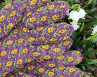 Hand Knitted Fine Estonian Gloves with Flower Pattern from Kambja, Tartu