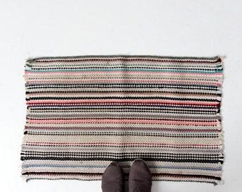 SALE vintage rag rug, throw rug, kitchen or bedroom floor mat