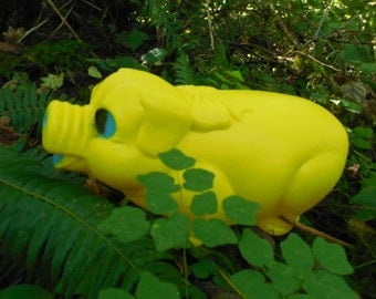 Big Yellow Plastic Piggy Bank, Vintage Plastic Piggy Bank, Large Vintage Piggy Bank, Collectible Plastic Piggy Bank, Giant Piggy Bank