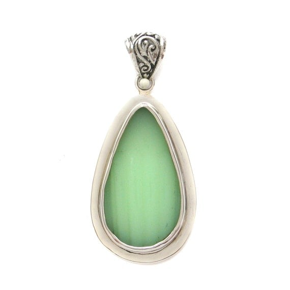 Broken_China_Jewelry_Jadeite