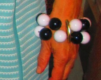 70s Black And White Large Bead Bracelet / Elastic Bead Bangle Large Bracelet Funky