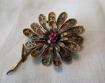 vintage Art Co. flower pin - gold, goldtone, daisy