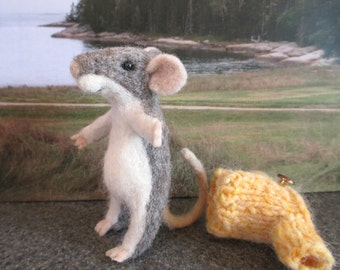 Mouse, Grey Felt Animal Collectible , Needle Felted Gray Mice
