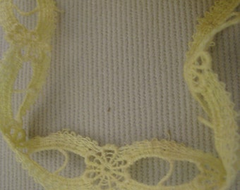 1 YARD   of woven cotton pastel baby yellow  tatted trim -  perfect condition
