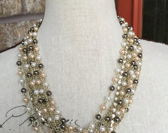 Chunky Pearl necklace with pearls and rhinestones