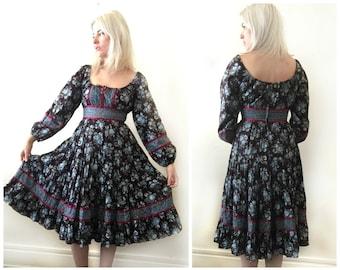 Vintage 1970s Gunne Sax Maxi Dress Size Small