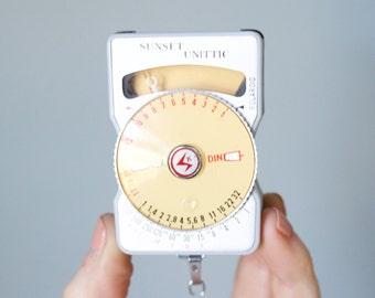 Sunset Unittic Light Meter Model 31 for Polaroid with Original Leather Case
