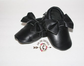 WOW!  Black BOWS Moccasins 100% genuine leather baby moccasins Mocs moccs