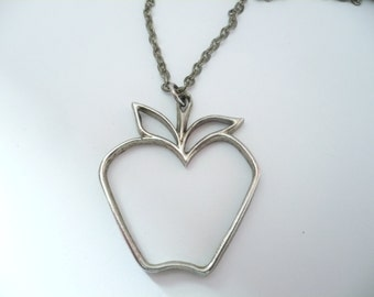 Vintage Sarah Coventry Necklace 1976 The Big Apple Pendant Silver Tone Metal Open Wire