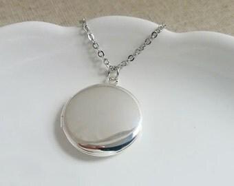 Locket Necklace, Small Silver Locket. Keepsake, Round Silver Plated Locket, Photo Locket, Round Small Locket, Layering Layered