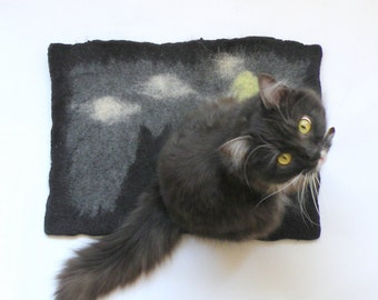 Felted mat with two cats picture , chair cover, wool pet bed