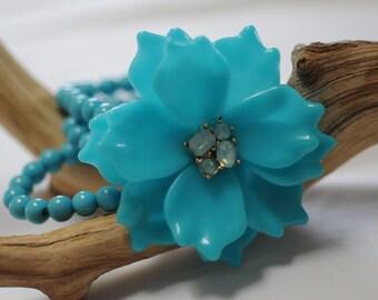 Flower Bracelet, Turquoise color Bracelet, stretch bracelet, Summer bracelet, Gift for her