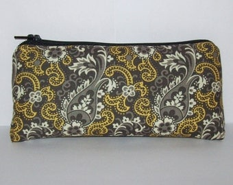 "Pipe Pouch, Very 70s, Floral Bag, Pipe Case, Glass Pipe Bag, Padded Pipe Pouch, Paisley Purse, Boho Bag, 420, Glass Pipe Cozy - 5.5"" SMALL"