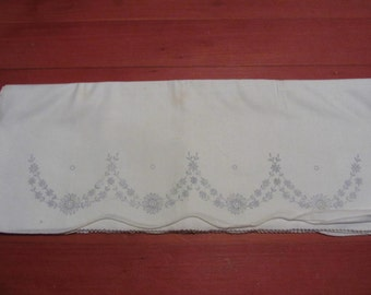 Vintage Stamped Pillowcase Set Floral Swag White Cotton Started