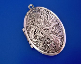 Oval Photo Locket Ox Silver Brass  Flowers Engraved Floral Style Pendant.