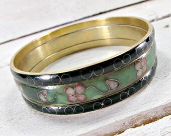 Vintage Cloisonne Enamel Bangle Bracelet Set, Green Flower Bangle Bracelets, Gold Stacking Bangles, 1980s Asian Jewelry, Valentines Day Gift