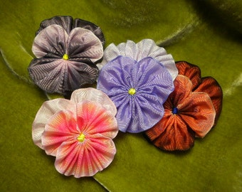 Pile Of Pansies Ribbon Flowers Appliques