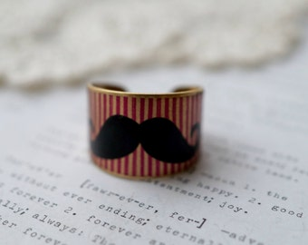 Brass Wide Red Striped and Moustache Print Ring