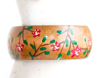 Wooden Summer Bangle - Bracelet with Handpainted Flowers - Wide Wood Bangle - Red daisies - Vintage Boho Jewelry