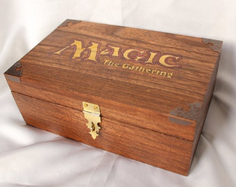 Magic the Gathering deck box with removable dividers