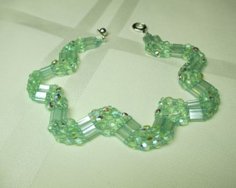 Peridot Green Zig Zag or Wave Beaded Bracelet