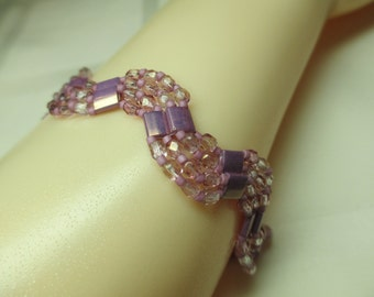 Lilac Zig Zag or Wave Beaded Bracelet