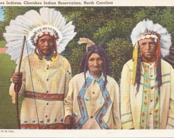 Cherokee Indians, Cherokee Indian Reservation, North Carolina - Linen Postcard - Unused (A9)