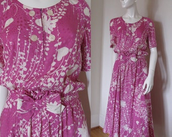 Vintage 1980s 1990s Miss V Valentino Floral Silk Dress with Short Sleeves Full Skirt and Bow Detail at Fitted Waist