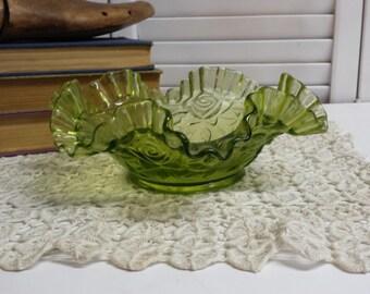 Green Glass Ruffled Fruit Bowl Snack Bowl Serving