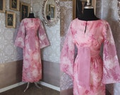Vintage 1970's Alfred Shaheen Pink Asian Kimono Style Dress Small
