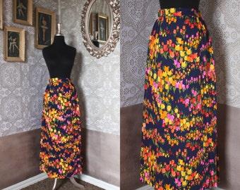 Vintage 1960's 70's Vibrant Tulip Print Barkcloth Maxi Skirt S/M