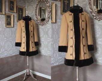 Vintage 1960's Country Pacer Tan Wool Winter Coat with Faux Fur Trim Medium