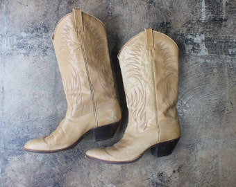 9C / Cowboy Boots / Tawny Leather Western Boots / Vintage Women's Size 10-10 1/2 Shoes