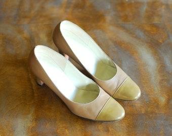 vintage saks fifth avenue neutral leather heels / size 7