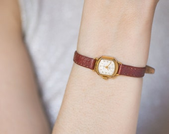 Tiny lady's watch Dawn, rare gold plated women's watch, shockproof wristwatch mid century, micro wristwatch her, premium leather strap new