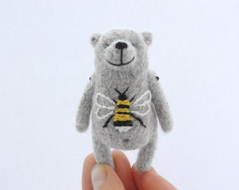 Needle Felted Bear brooch in grey, Animal miniature, eco friendly jewelry, gift for women, animal toy, in gift box