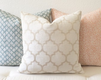 Chenille velvet cream quatrefoil geometric decorative pillow cover