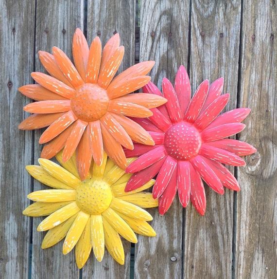 metal flower wall art red orange yellow daisies metal yard. Black Bedroom Furniture Sets. Home Design Ideas