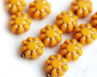 Flower beads - Sunny Yellow, golden inlays - czech glass flat daisy - 9mm - 20Pc - 0023