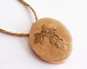 Art Deco Gold Floral Locket, Vintage Gold Locket, Large Gold Photo Locket, Keepsake Locket, Flower Locket, Mourning Locket Pendant Necklace