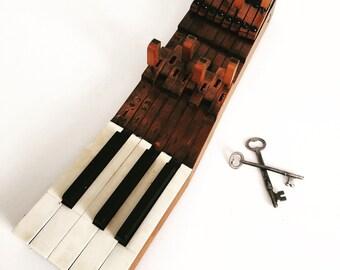 Upcycled Vintage Piano Keys Recycled Upright Piano Keys Wall Mounted Key Holder Organizer with Key Hooks