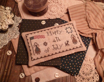 PRIMITIVE Cross Stitch E-PaTTeRN Pillow-PdF-July 4th-Happy fourth of July  -The BLUE ATTIC