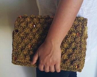 Bubble crochet handbag