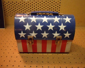 Vintage American Flag Lunchbox,,  excellent condition.  rare