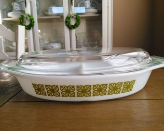 Vintage Pyrex Divided Casserole in the Verde Square Pattern // Green Pyrex