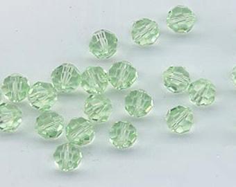24 gorgeous Swarovski crystals - art 5000 - 6 mm - chrysolite
