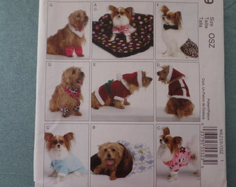 Dog Clothes, Blanket, Sleeping Bag McCalls 6259, Mr and Mrs Claus, Pants, Neckerchief, Leggings, Doggie PJs, SM - XLG, 6.5 - 16 inches long